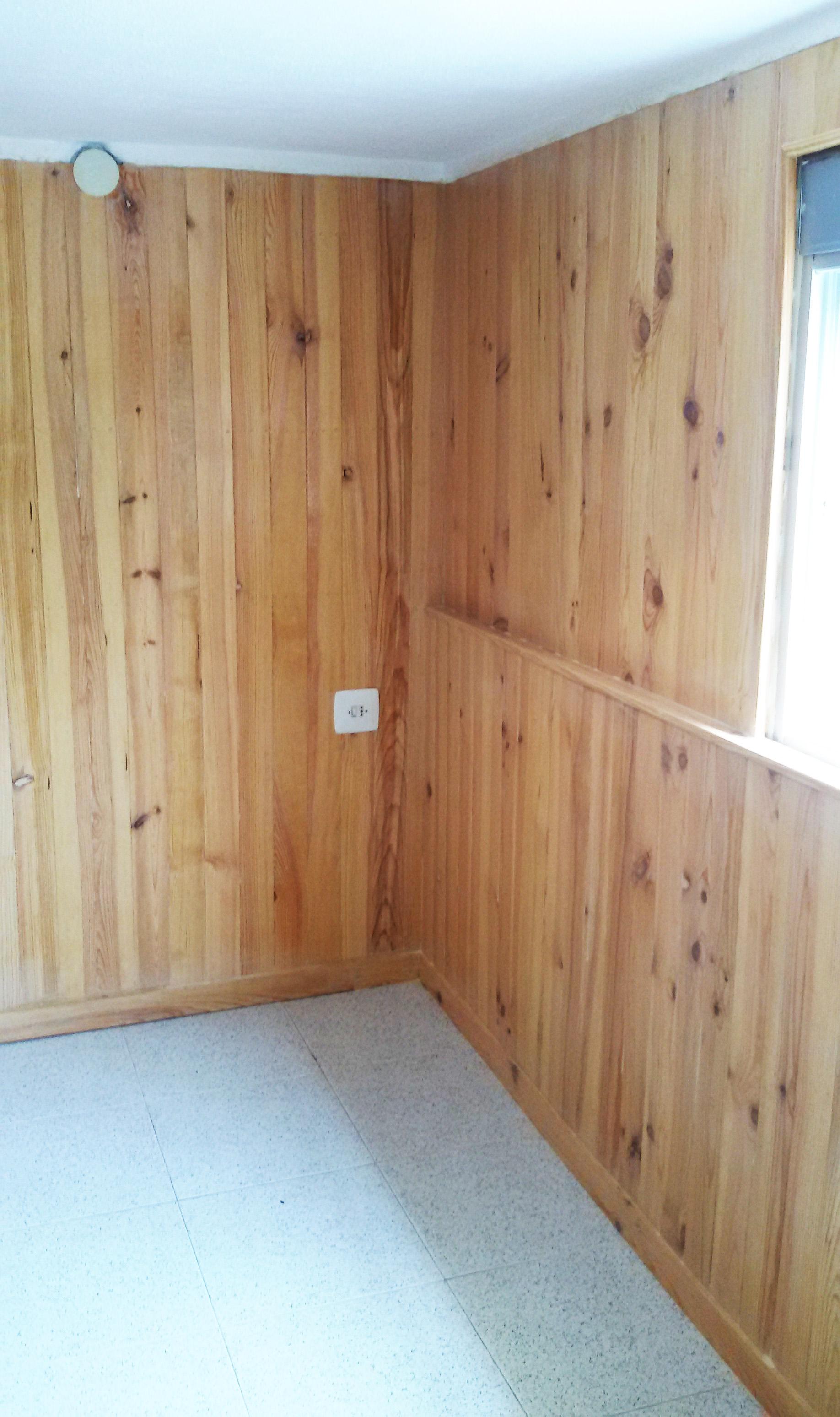 solucin para paredes con humedad forrado de paredes con madera de pino maciza y cmara de aire de cm la solucin perfecta para paredes con humedad uac